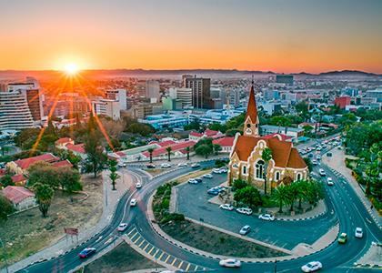 Solnedgang over Namibias hovedstad Windhoek