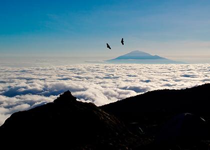 Udsigt over Mount Meru fra Mount Kilimanjaro