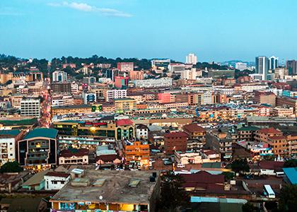 Udsigt over byen Kampala i Uganda